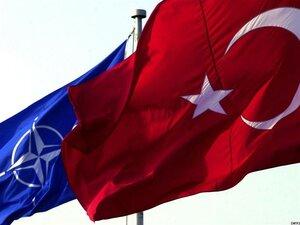 НАТО: Турция не намерена просить военной помощи