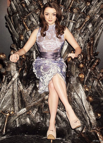 Мейси Уильямс на железном троне