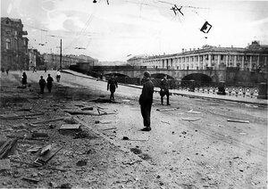 Набережная реки Фонтанки после немецкого артобстрела