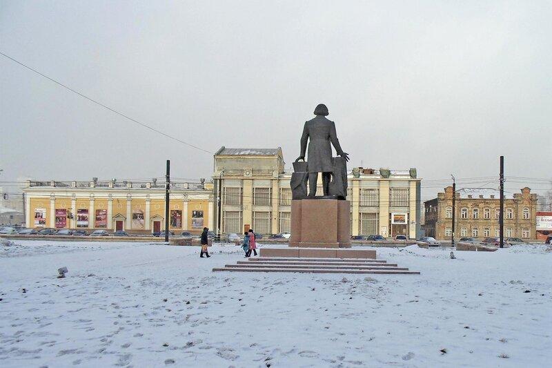 Площадь Ярославского зимой