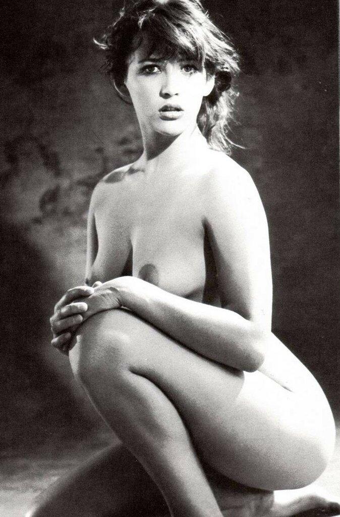 женских фото французских актрис кино голых звучит
