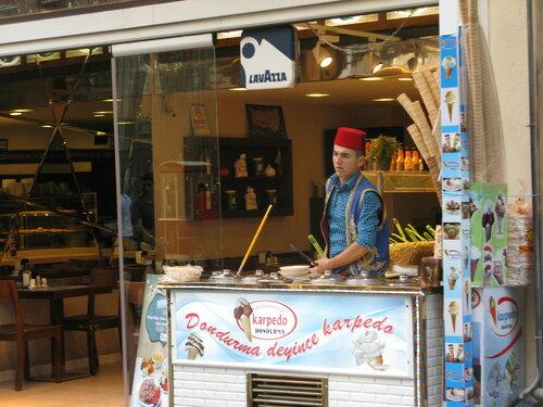 Продавцы мороженого. Автор фото: Станислав Кривошеев