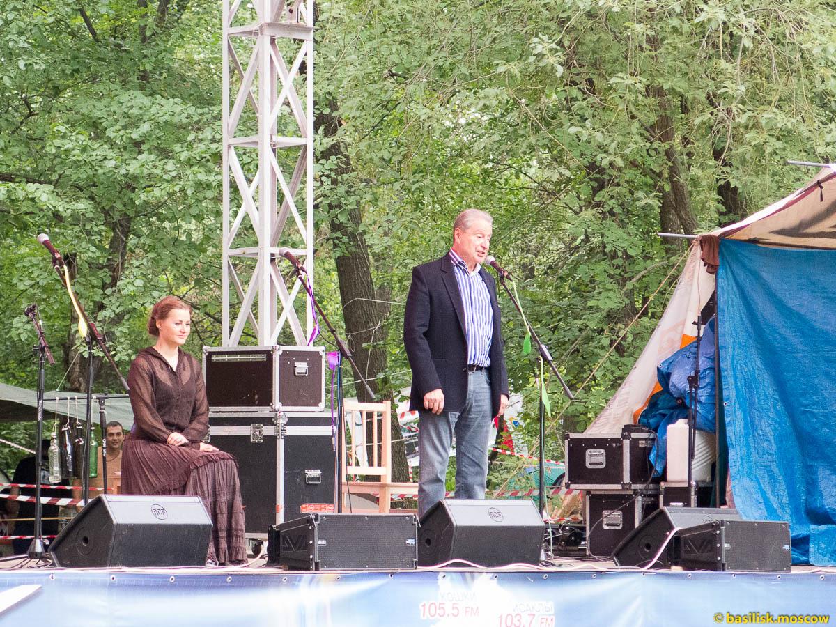 Сцены Грушинского фестиваля. Июль 2015.
