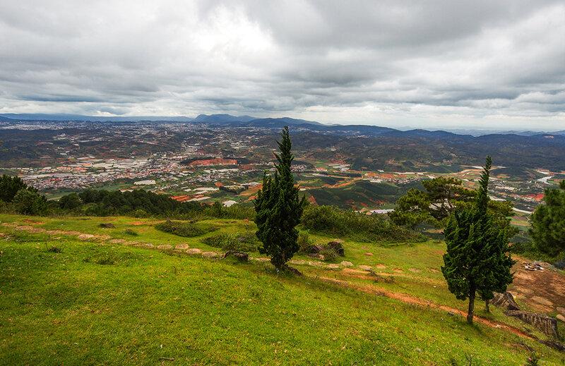 Вид с горы Лангбианг