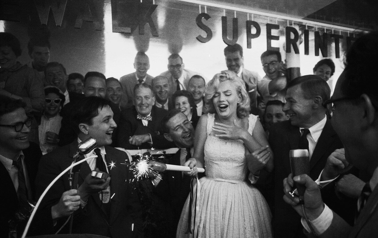 Marilyn Monroe Lighting Firecracker