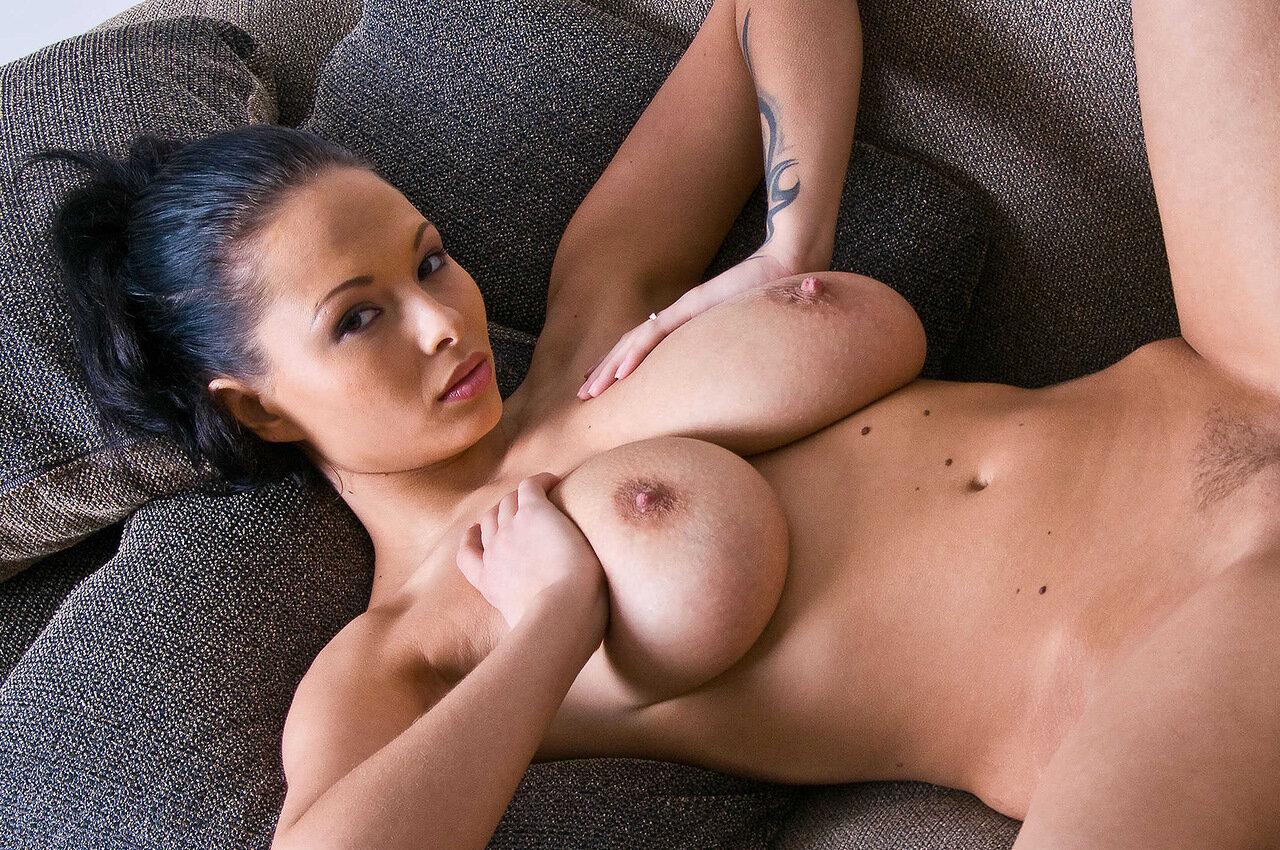 Самая большая грудь голоя, Огромные сиськи - гигантские сиськи и грудь - зрелые 16 фотография