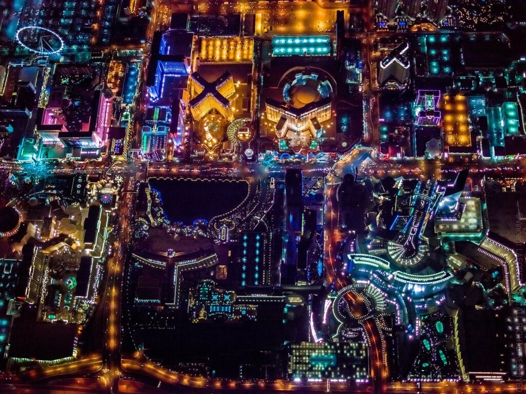 Right amount of wrong, Vincent Laforet above Las Vegas1280.jpg