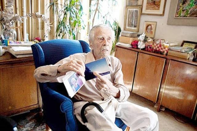 Самый старый мужчина в мире умер в Нью Йорке 8 июня 0 133513 5c7b054a orig