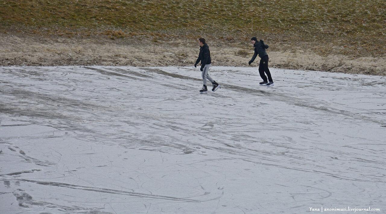 Первый снег в Гомеле. Сквер Фестивальный