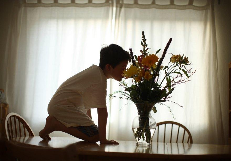 Любящий отец трепетно запечатлевает уникальные привычки сына-аутиста (12 фото)