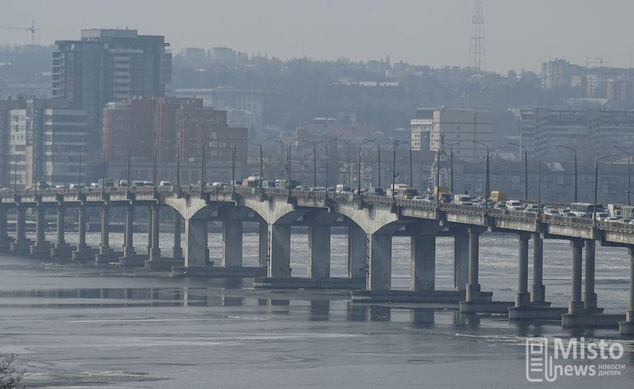 ВДнепре собираются временно закрыть Центральный мост