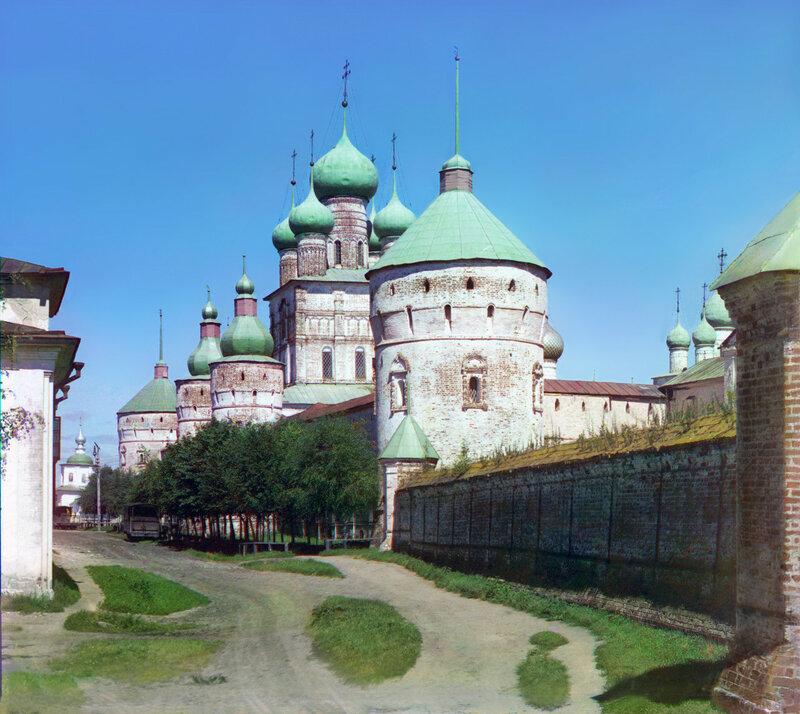 Ростовский кремль 1911 Прокудин-Горский3в.jpg