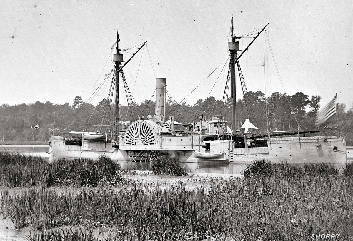 Корабли, речные суда и военные моряки на снимках американских фотографов конца 19 века (4)