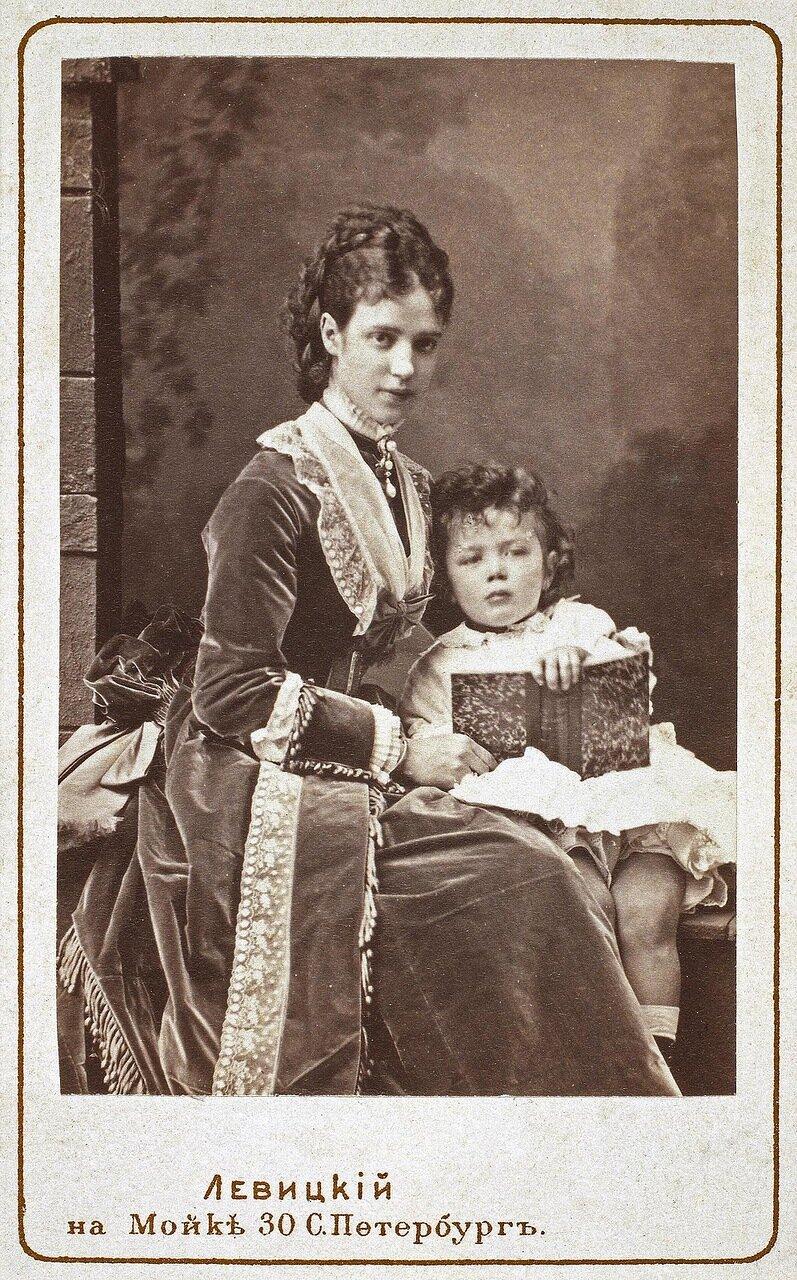 Портрет великой княгини Марии Федоровны с сыном - цесаревичем Николаем Александровичем