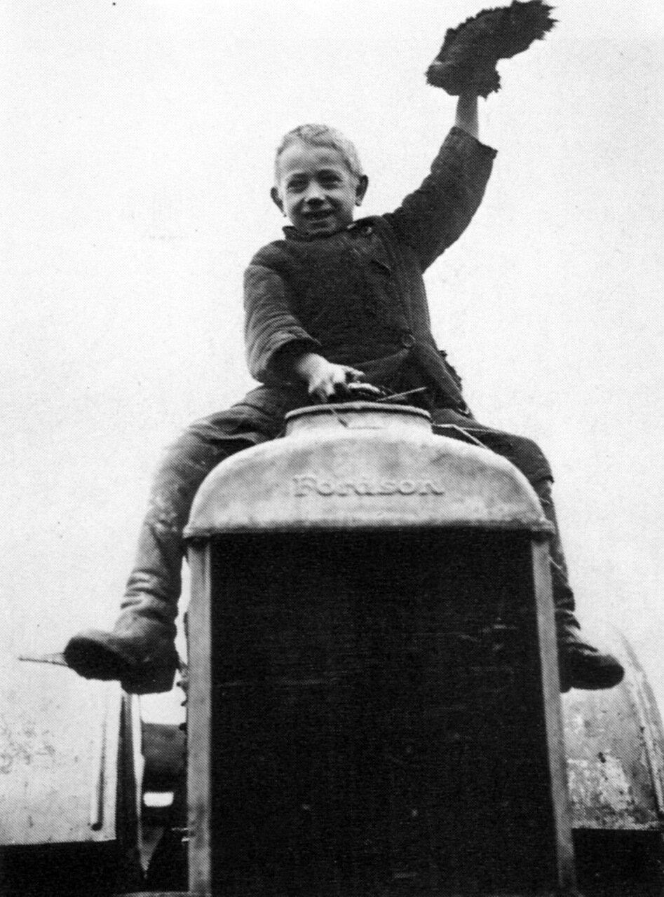 1927. Первый трактор