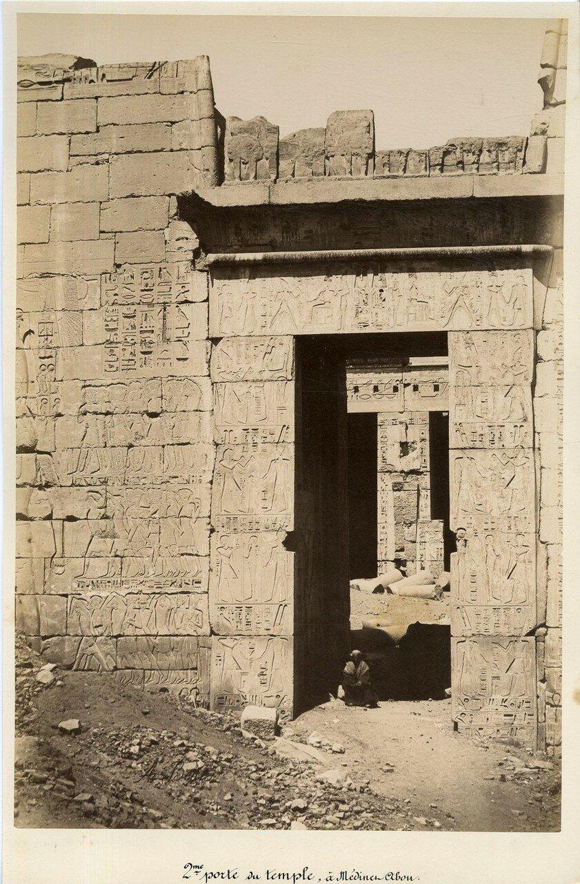 Мединет-Абу. Врата храма