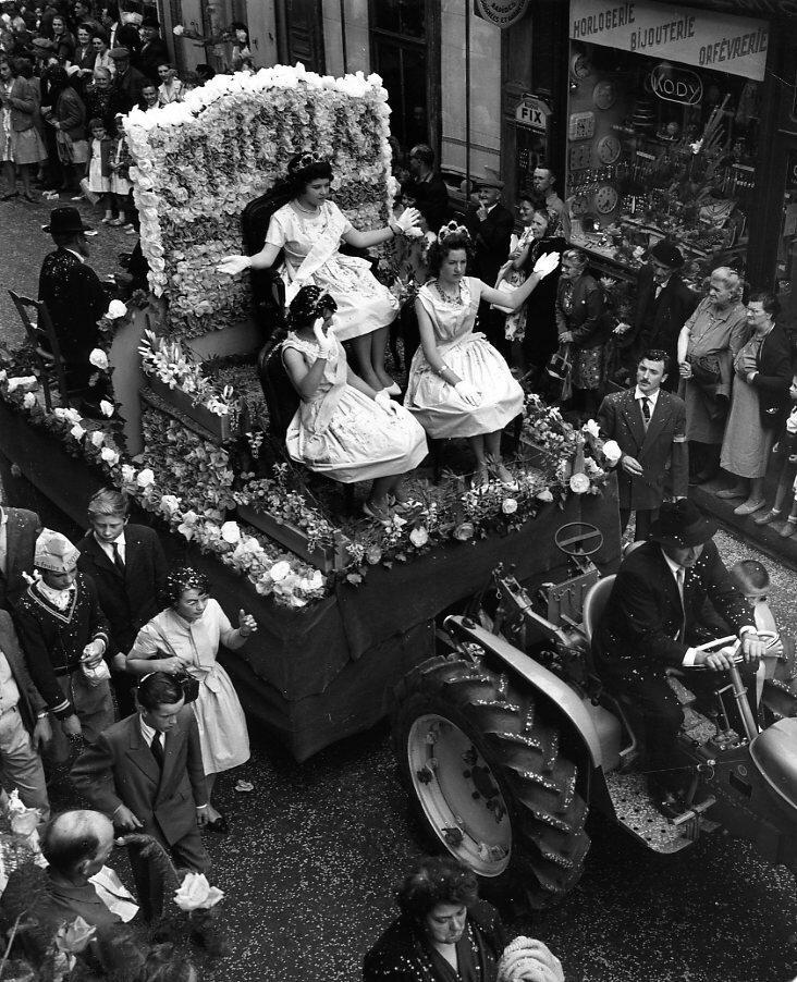 1962. Майская королева и ее подруги