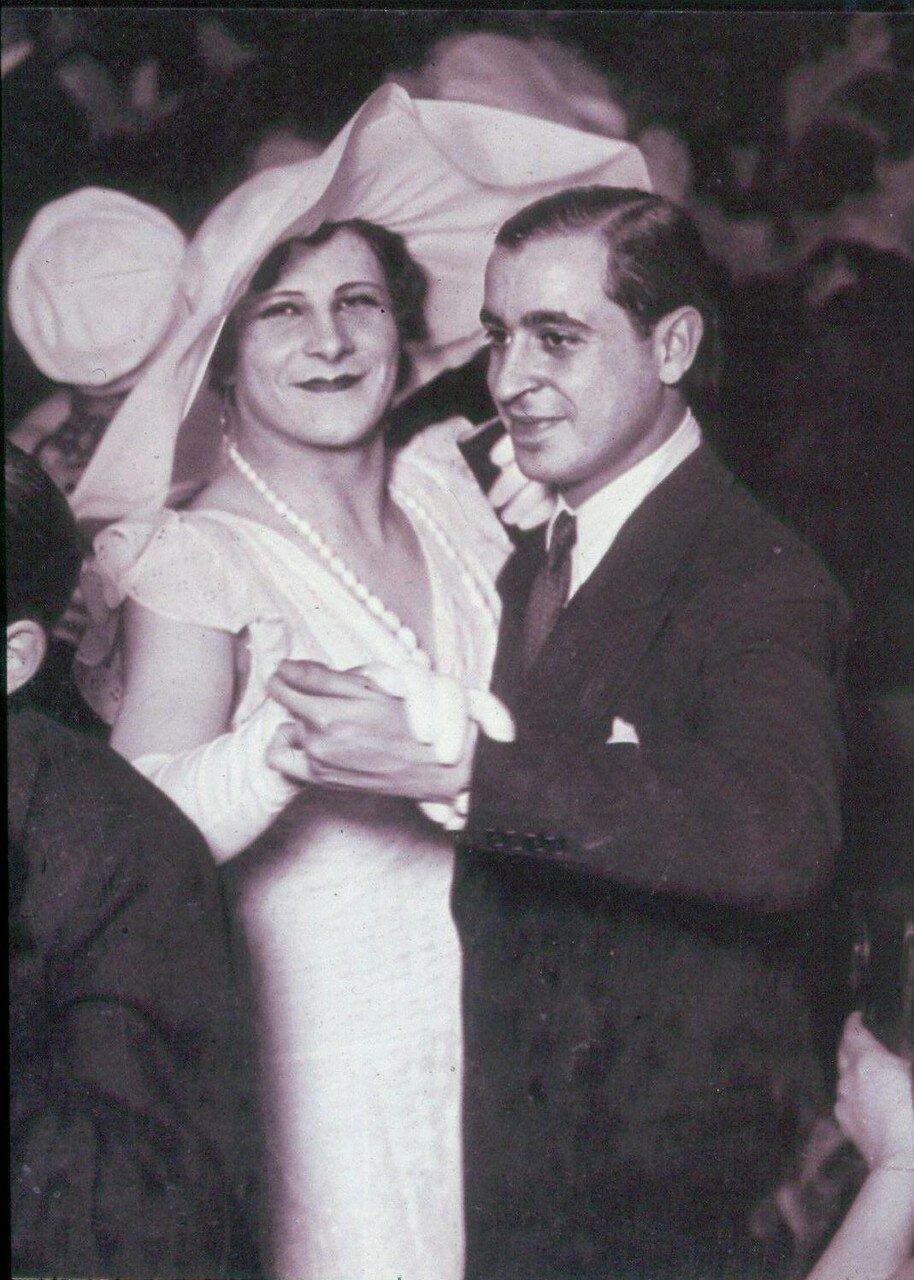 1932. В дансинге для гомосексуалистов «Мэджик Сити».  «Герцогиня Зои»