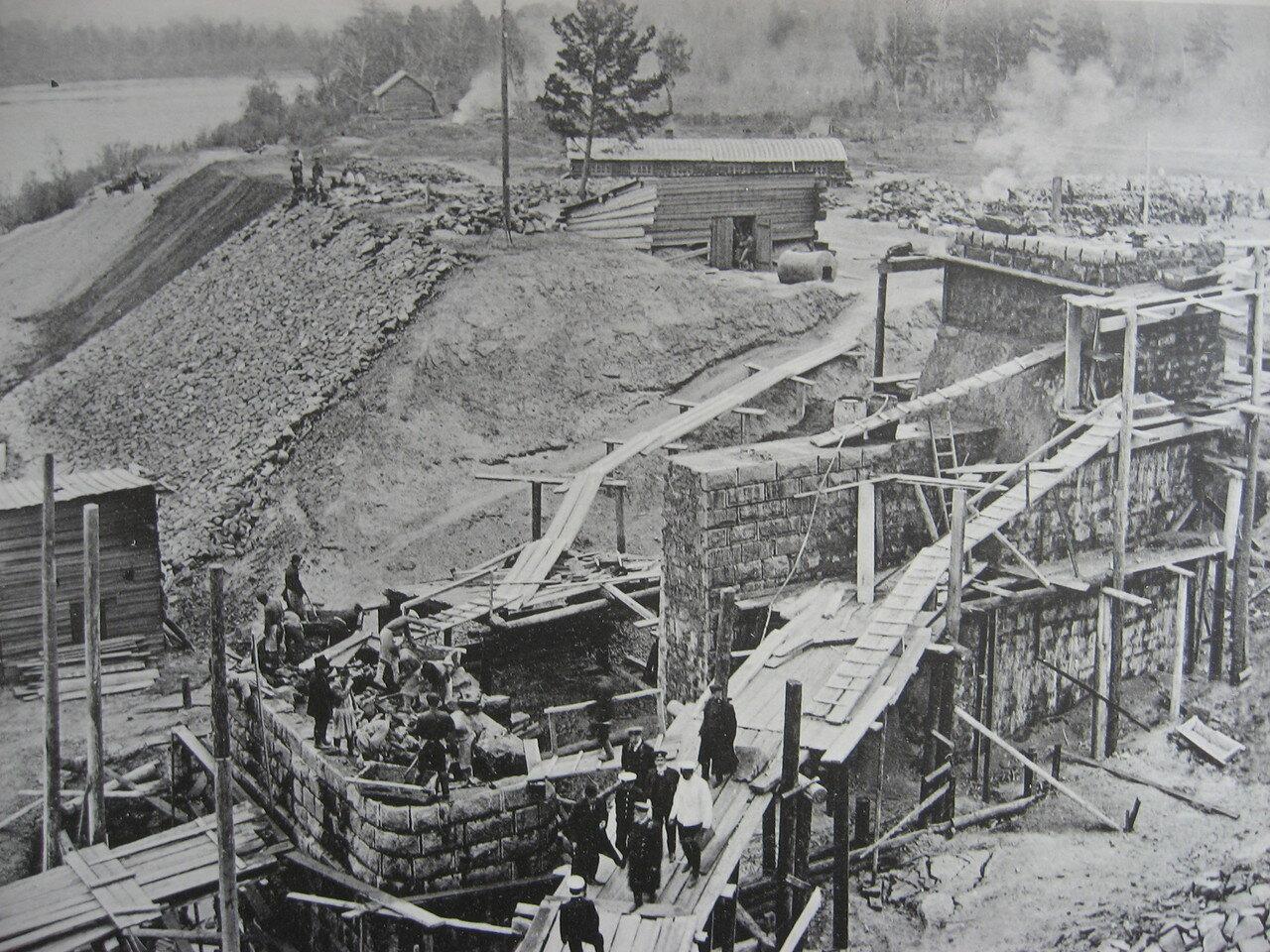 75. 2706 верста. Возведение иркутского устоя моста через р. Ию. Строительный период 1910