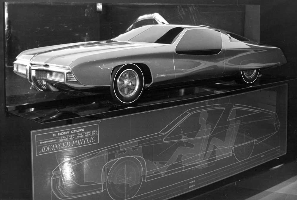 B-body Pontiac proposal from Advanced Pontiac studio. Half clay model against a mirror 1.jpg