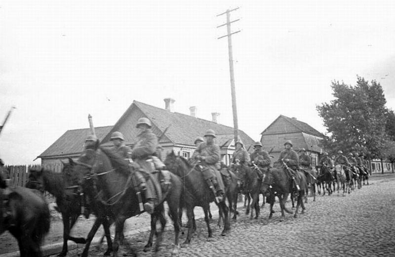 Кавалерия в Гродно во время присоединения Западной Белоруссии.