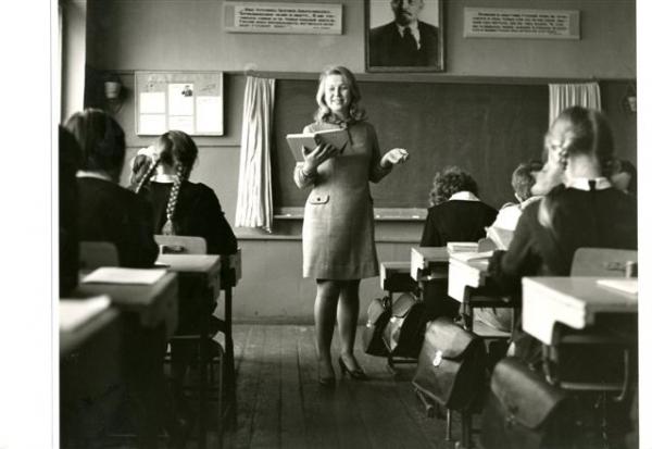Из  серии ''Сельская школа''. Автор Опалин Вадим, 1970.jpg