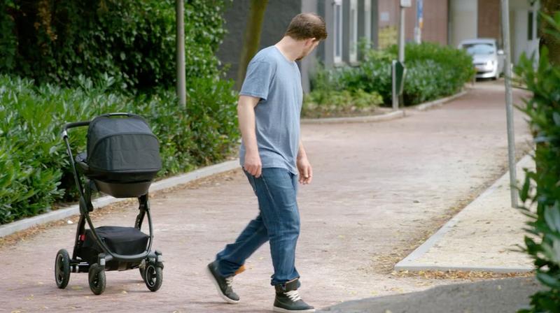 Volkswagen создали детскую коляску с автопилотом