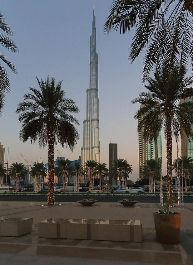Фото 4. Самое высокое в мире здание - небоскреб Бурдж Халифа. Полнокадровая камера Canon EOS 6D