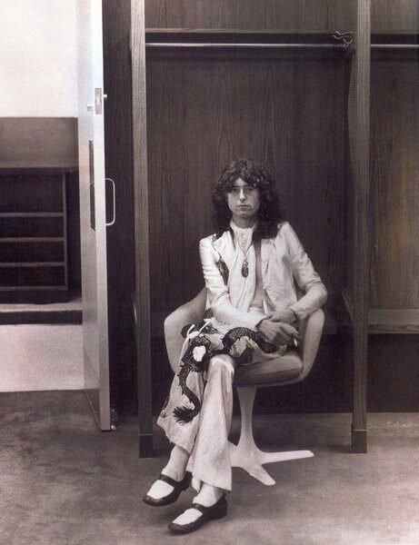 1977-06-05_JP_backstage.jpg