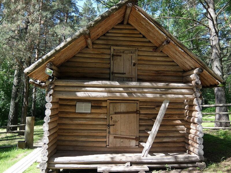 Томская писаница - Шорская усадьба - Большой амбар
