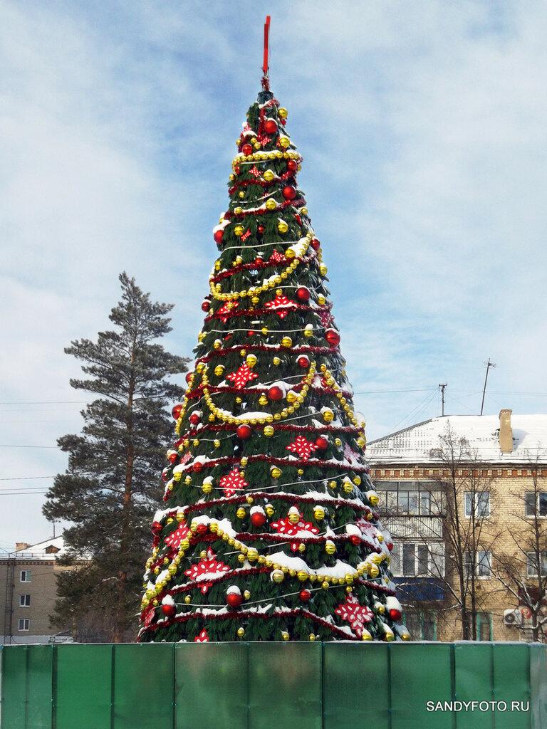 Ещё одна фотография новогодней ёлки на ГРЭСе