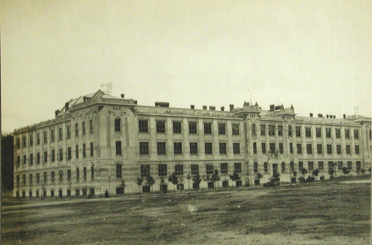 54.Общий вид здания госпиталя имени императрицы Марии Федоровны. Лемберг