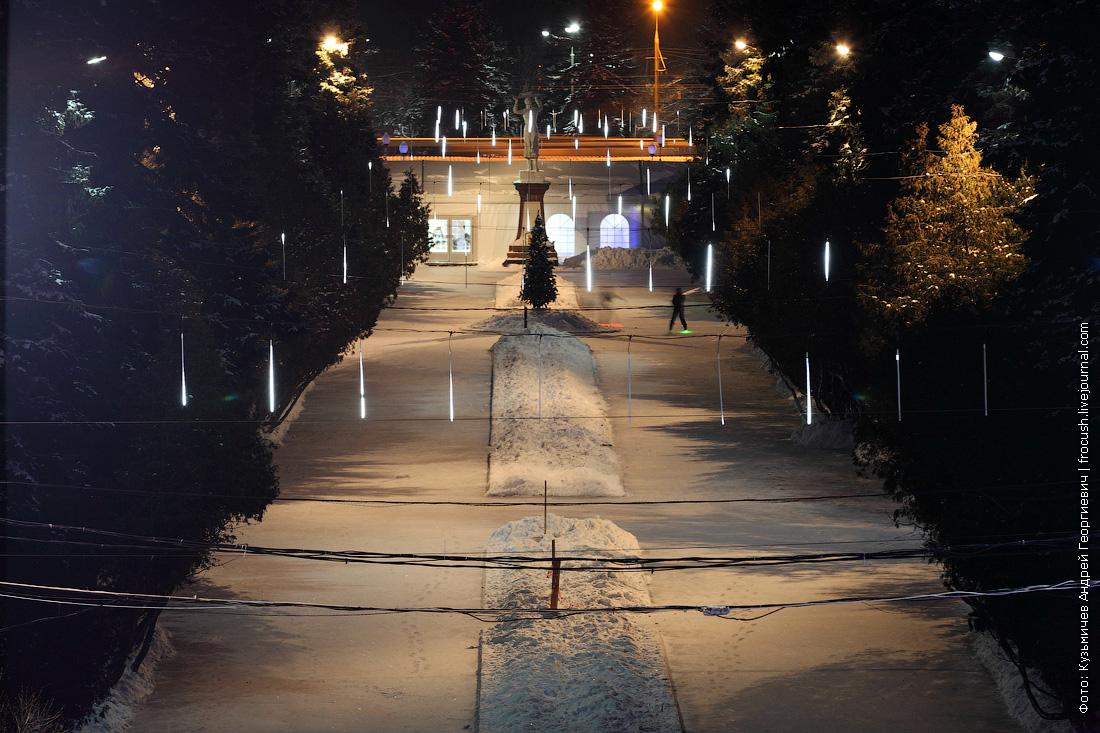 Главная аллея парка Северного речного вокзала