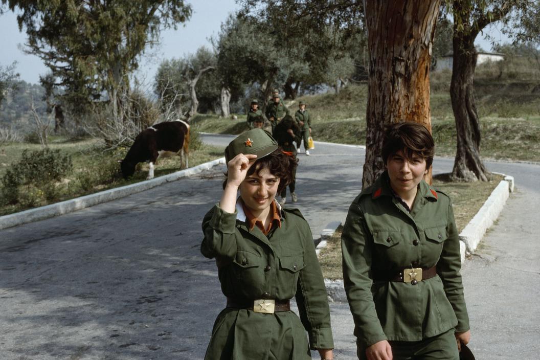 1990 Albania Vlore. Women soldiers.jpg