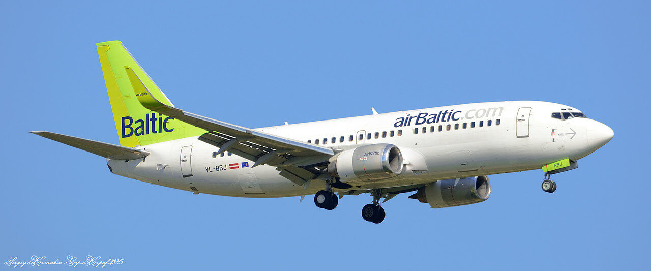 Boeing 737-33Q Air Baltic YL-BBJ.JPG