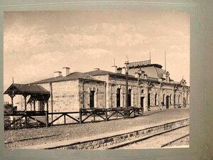 Пассажирское здание на станции Аральское Море