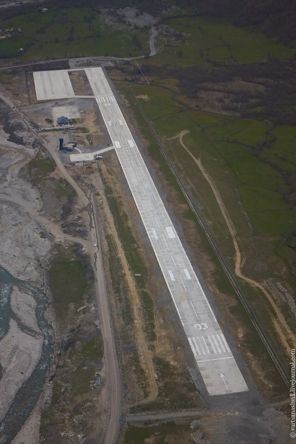 Грузия, аэропорт Местиа