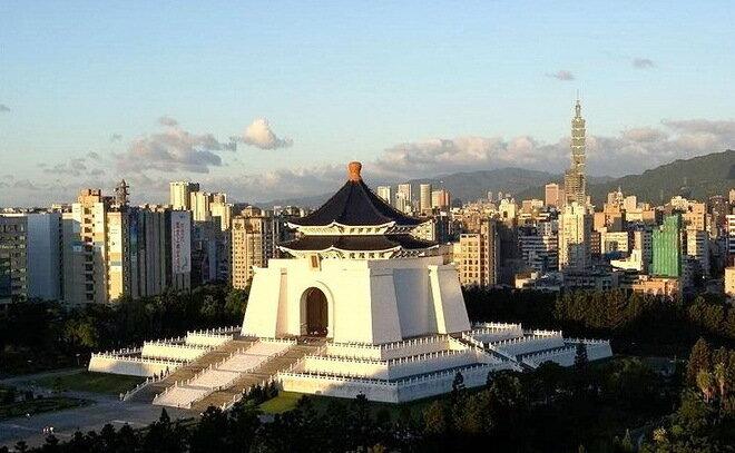 Мемориальный зал Чан Кай-ши в Тайбее
