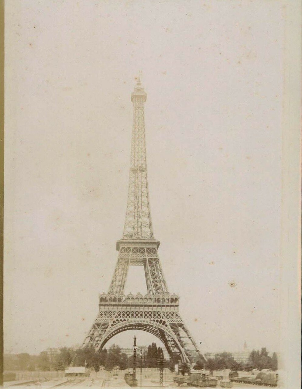 1900-е. Эйфелева башня