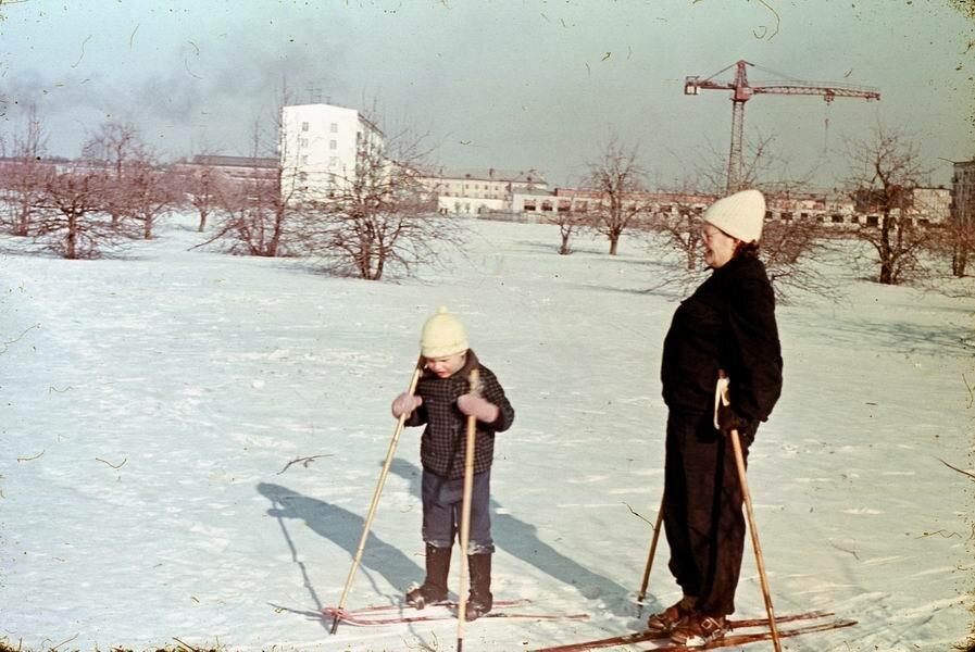 Лыжная прогулка, 1972