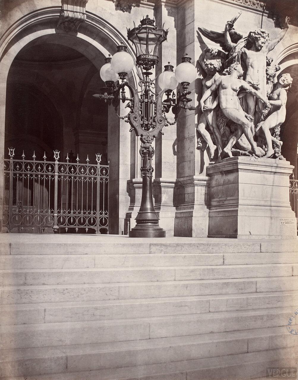 Газовый фонарь на Площади Оперы. 1877.