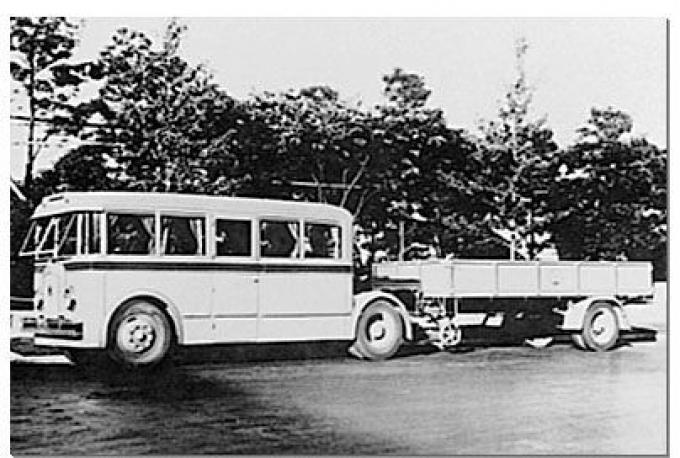 1935г - Hino Model ST Bus Trailer.jpg