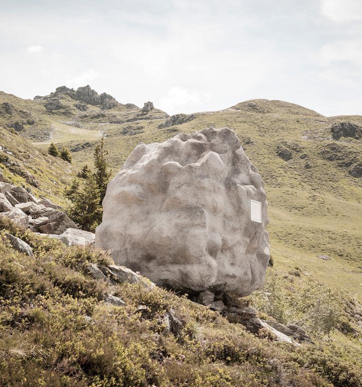 Необычный дом - камень