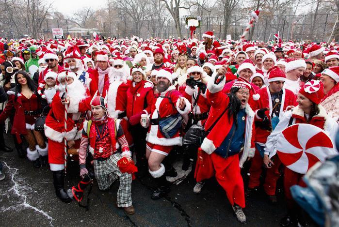 В Нью Йорке и других городах состоялся рождественский поход по барам