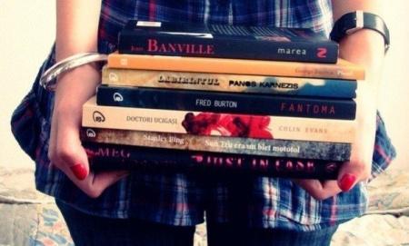 Книга 10 книг о том, как жить нельзя!