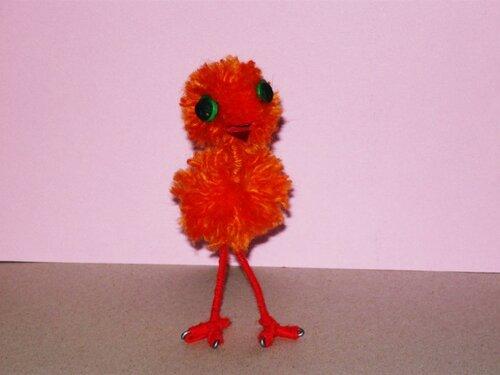 Птичка из помпонов
