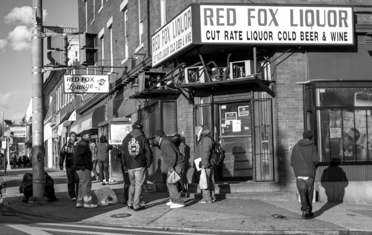 Неулыбчивая Америка: Черно-белая жизнь в бедных кварталах современного Балтимора (12)