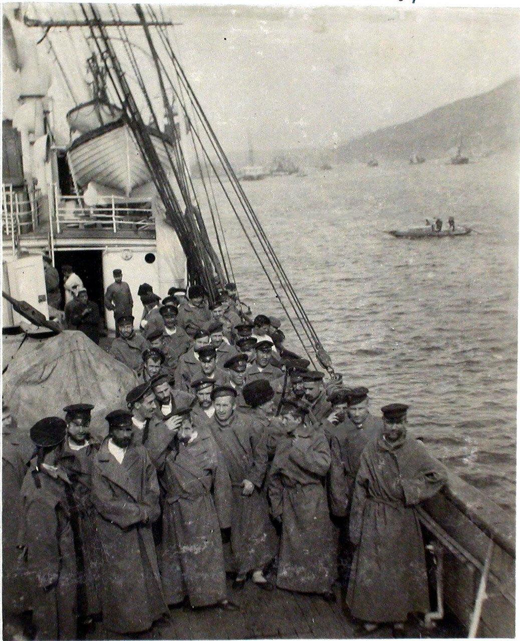 32. Больные на палубе парохода «Царица». Япония, Иокогама. 1901