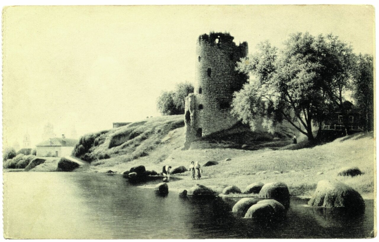 1930-е. Гремячая башня на Пскове.