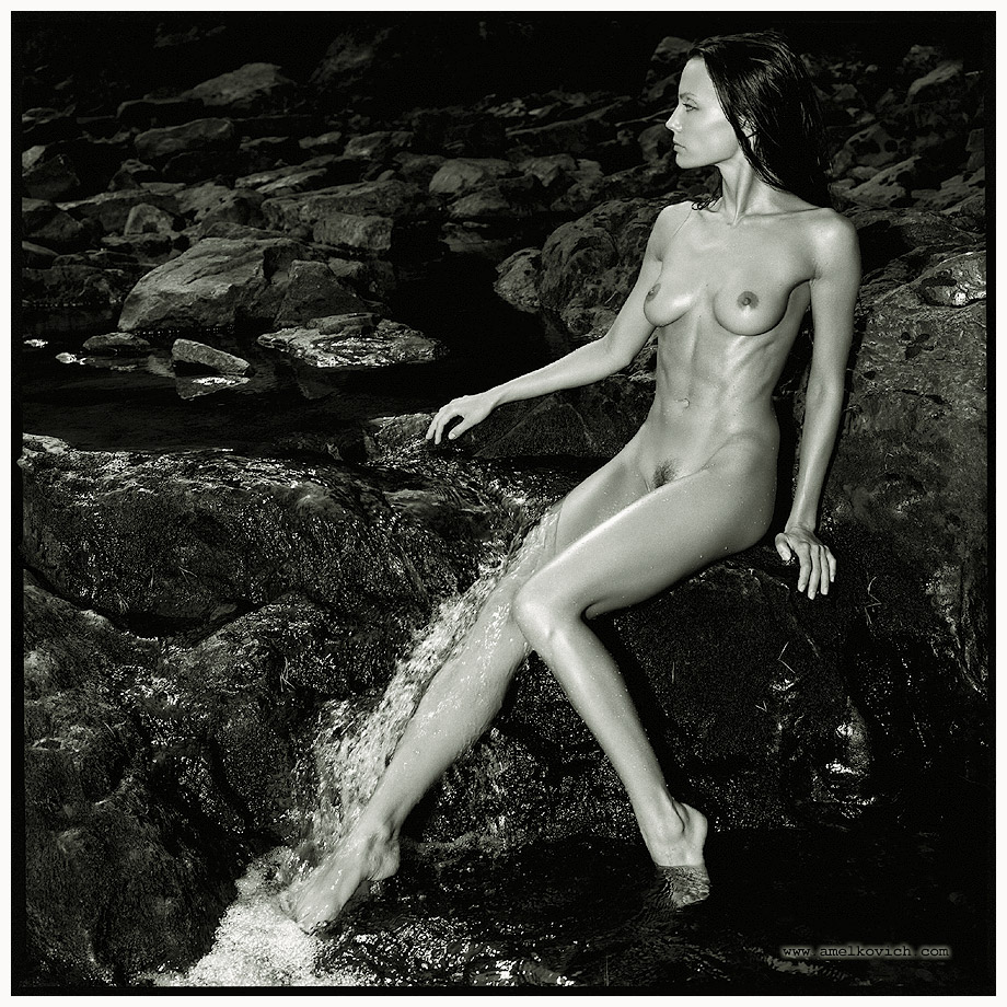 Черно-белое ню челябинского фотографа-самоучки